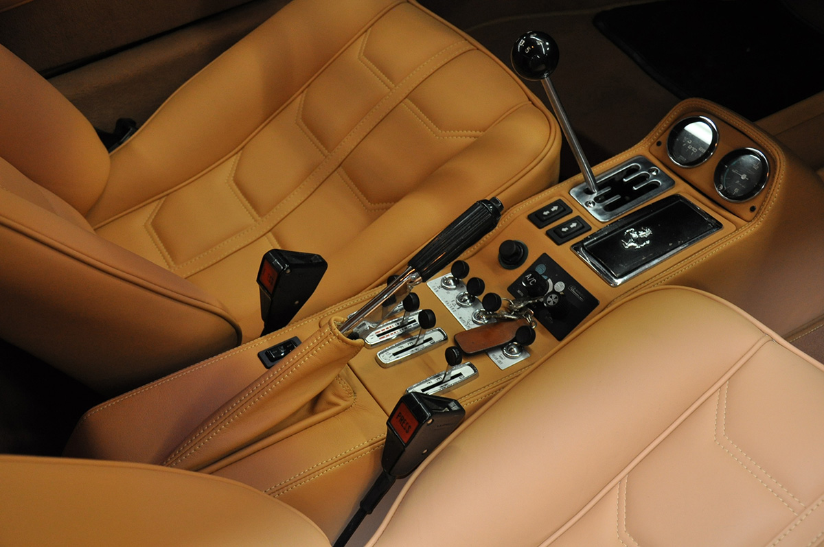 ferrari-brown-interior